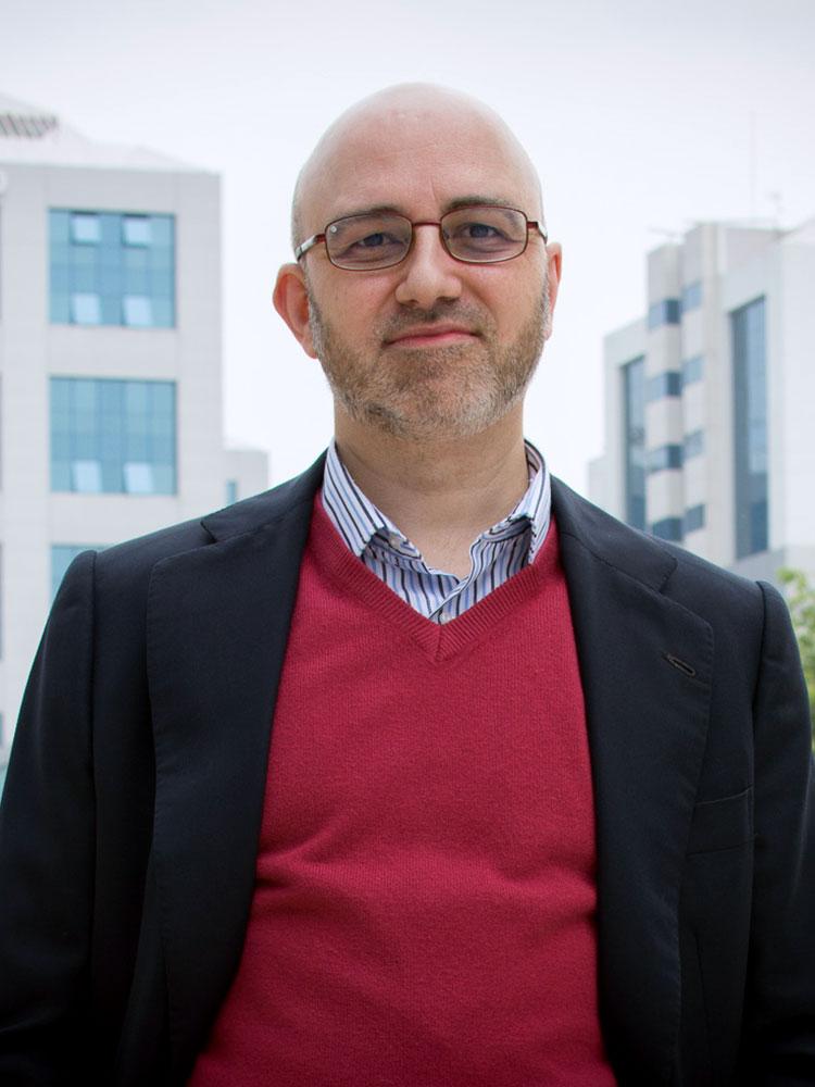 Psicólogo en Sevilla | Psicoterapeuta Emilio Castellanos